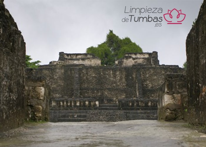 ritual funebre maya