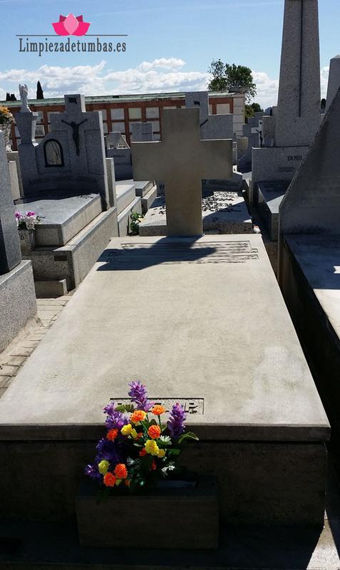 Limpieza tumba despues del servicio