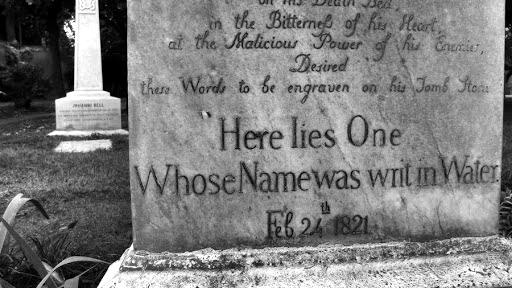 mas curiosos epitafios